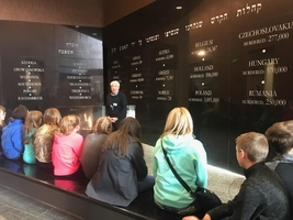 7th Grade visits Holocaust Memorial